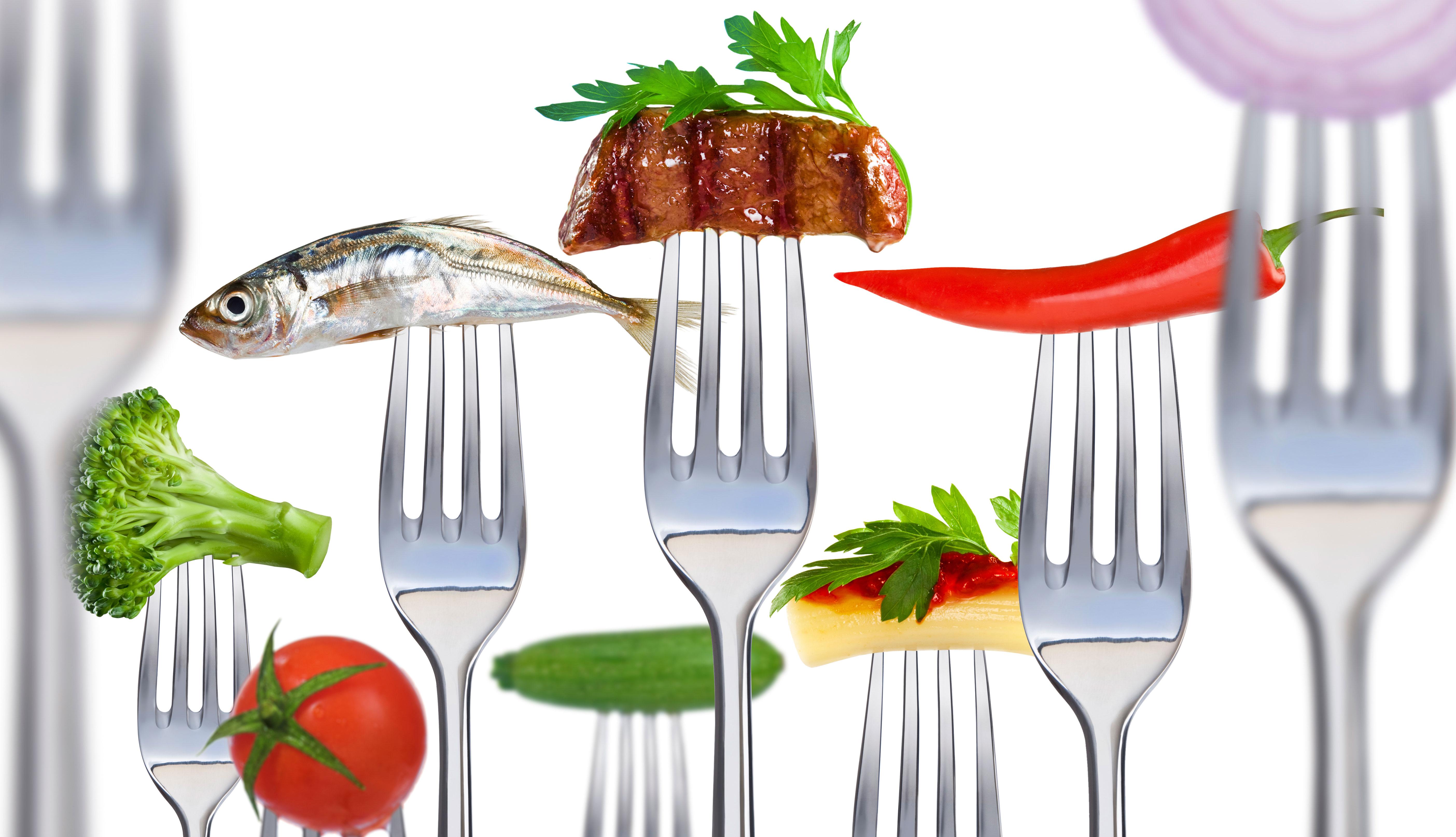 Tenedores con comida