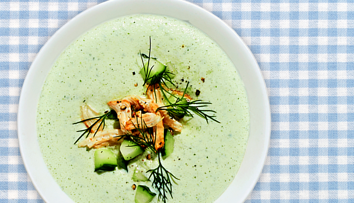 bowl of cucumber dill no cook soup on a table