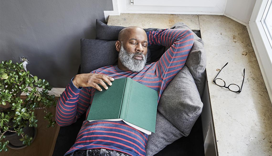 New study links daytime naps to healthy hearts