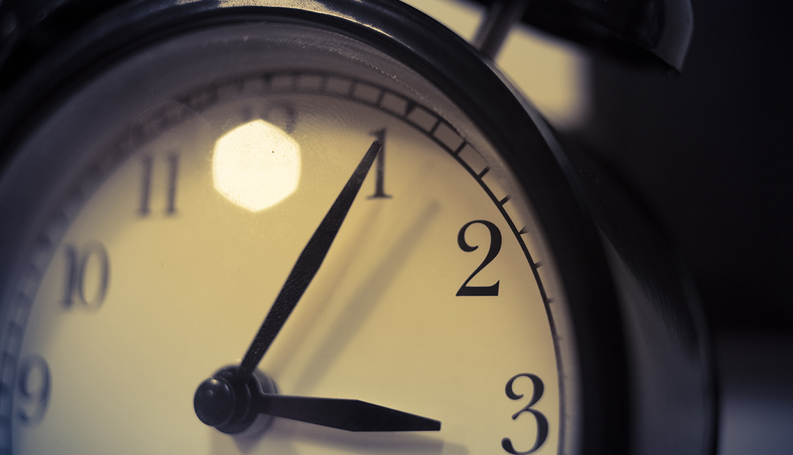 7 Tips for Surviving Daylight Saving Time