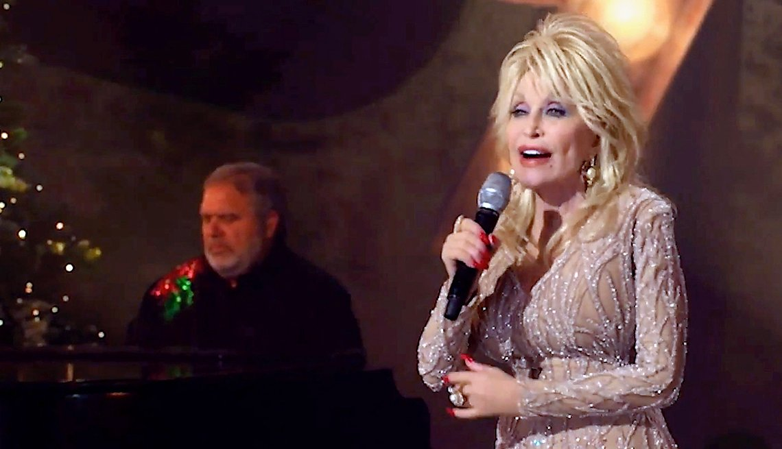 item 3 of Gallery image - Dolly Parton en una presentaci♀n