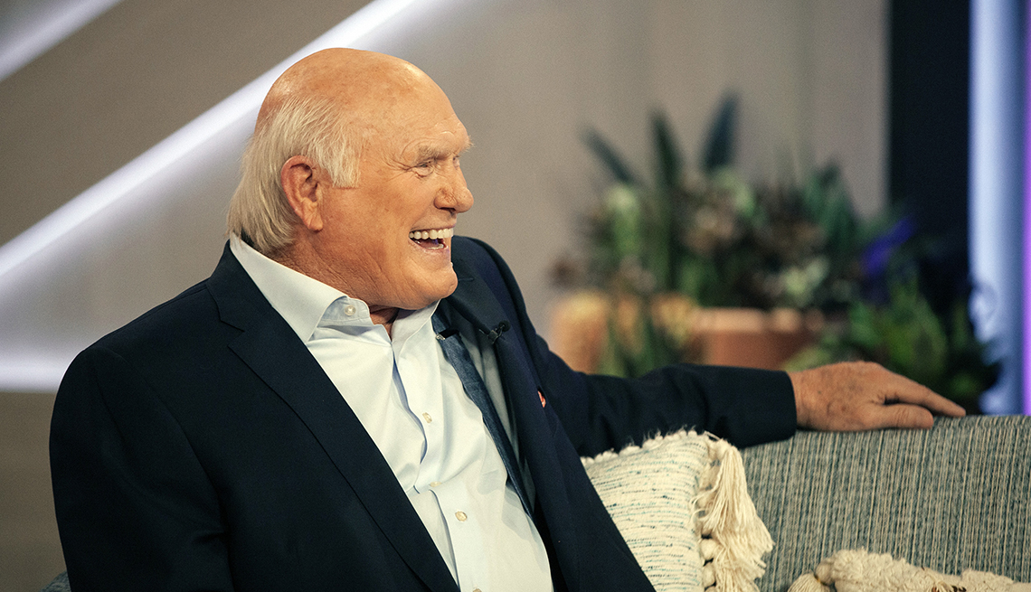item 4 of Gallery image - terry bradshaw appears on the kelly clarkson show