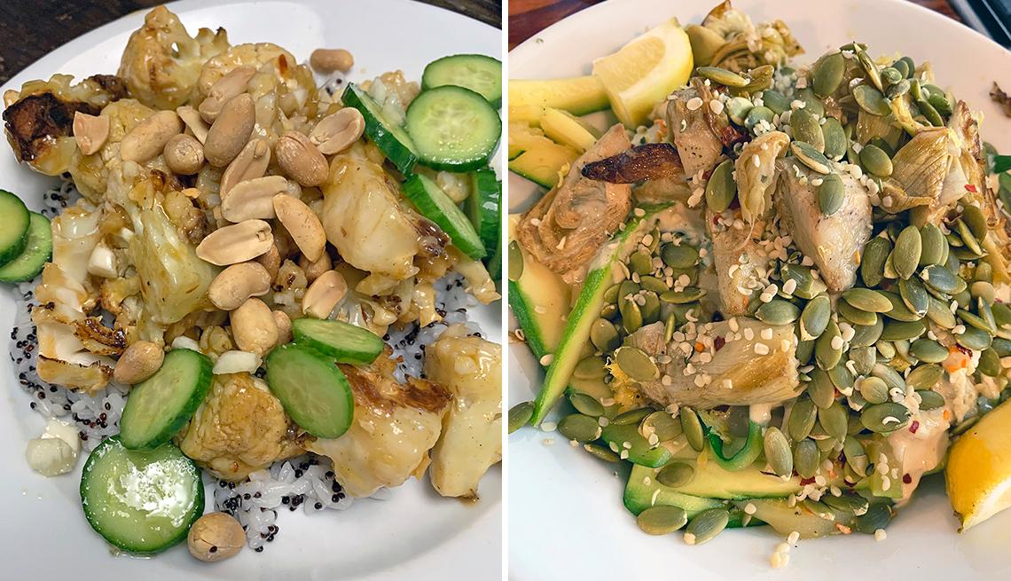Dos comidas de Purple Carrot: (izquierda) coliflor Kung Pao con pepinos al ajo y arroz moteado; (derecha) fideos de calabacín y limón con crema de castañas de cajú y corazones de alcachofas crujientes.