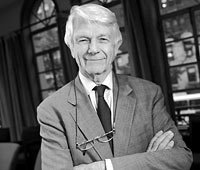 Robert Butler, fundador y director del National Institute on Aging (Instituto Nacional del Envejecimiento) en los Institutos Nacionales de la Salud (NIH), dice que, para envejecer de manera saludable, se necesita estar en compañía de otras personas.