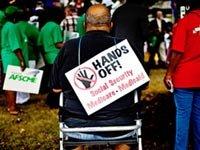 Protesta en contra de posibles recortes al Medicaid y al Medicare