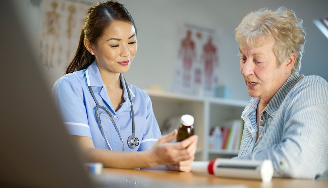 ESP nurse with senior patient - New to Medicare Quiz,nurse with senior patient