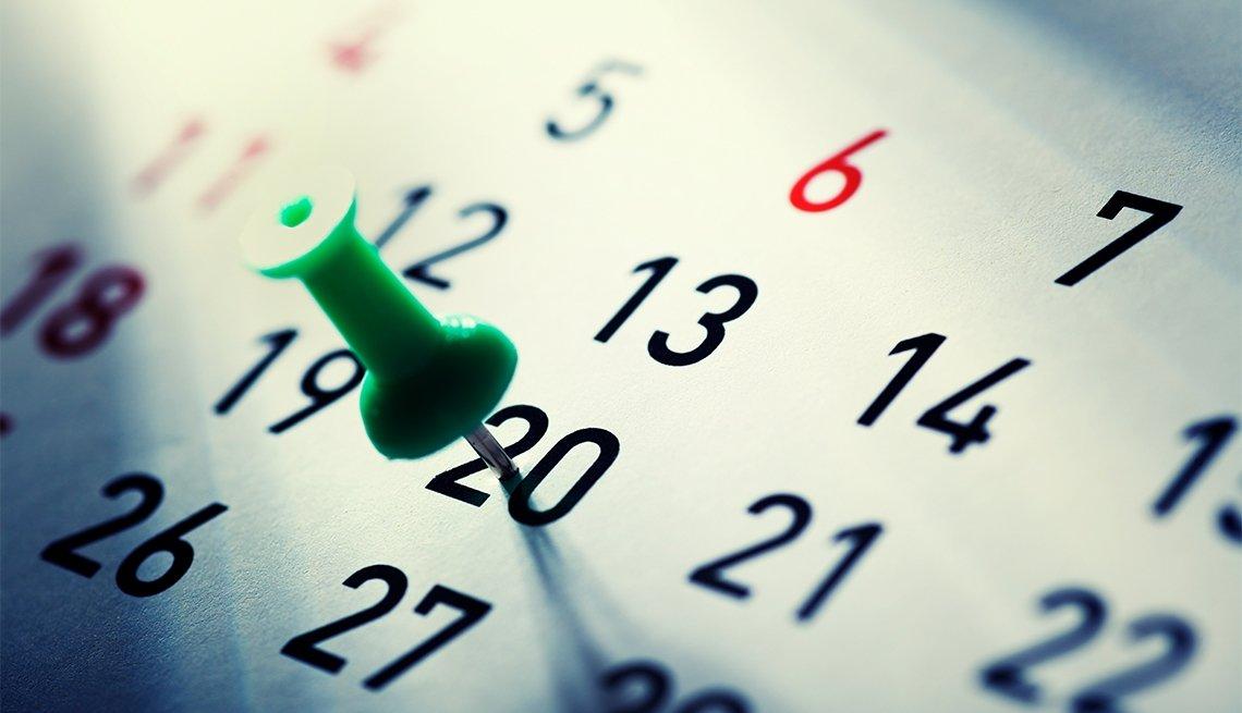 Calendario con una tachuela