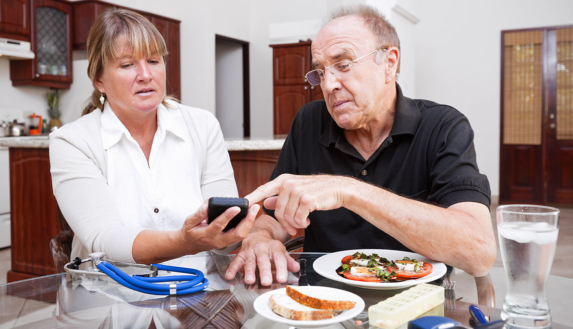 nurse and patient in a nutrition consultation
