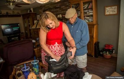 Amy Goyer y su padre en casa,  Cómo balancear el trabajo y el cuidado de un ser querido