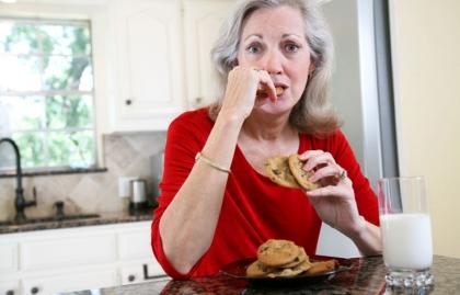 El estrés relacionado con el cuidado puede conducir a la elección de alimentos poco saludables