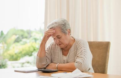 Mujer pensando - Cómo controlar lo que se puede como cuidador