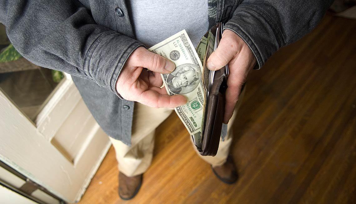 Prestar cuidado: cómo prevenir estafas y robos