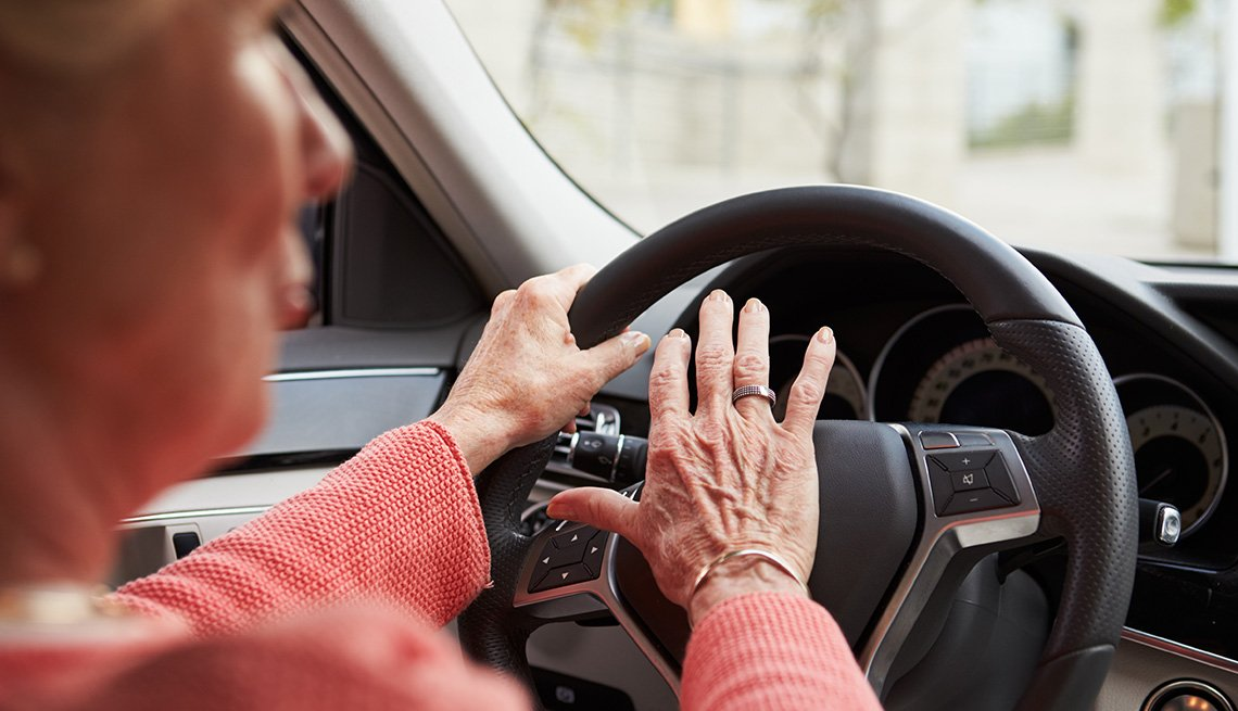 Elderly Female Driver Honks Horn In her Car While Driving, Warning Signs Of Unsafe Driving