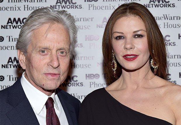Michael Douglas y Catherine Zeta-Jones - Matrimonios de famosos con una gran diferencia de edad