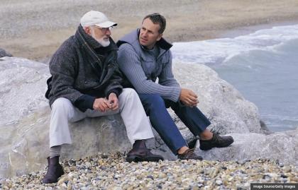 Padre e hijo hablando, Etiqueta Herencia