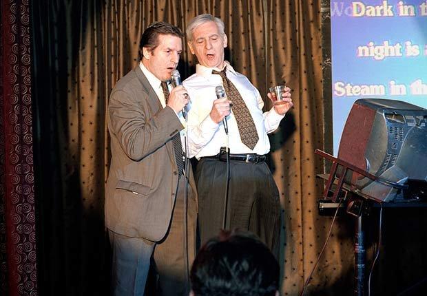 Karaoke - Diez cosas nunca deben hacer de nuevo después de 50 años de edad