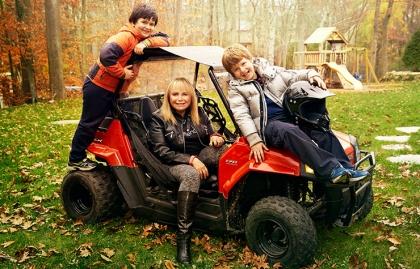 Frieda Birnbaum y sus dos hijos - Mujeres de 50 años o más que deciden se madres