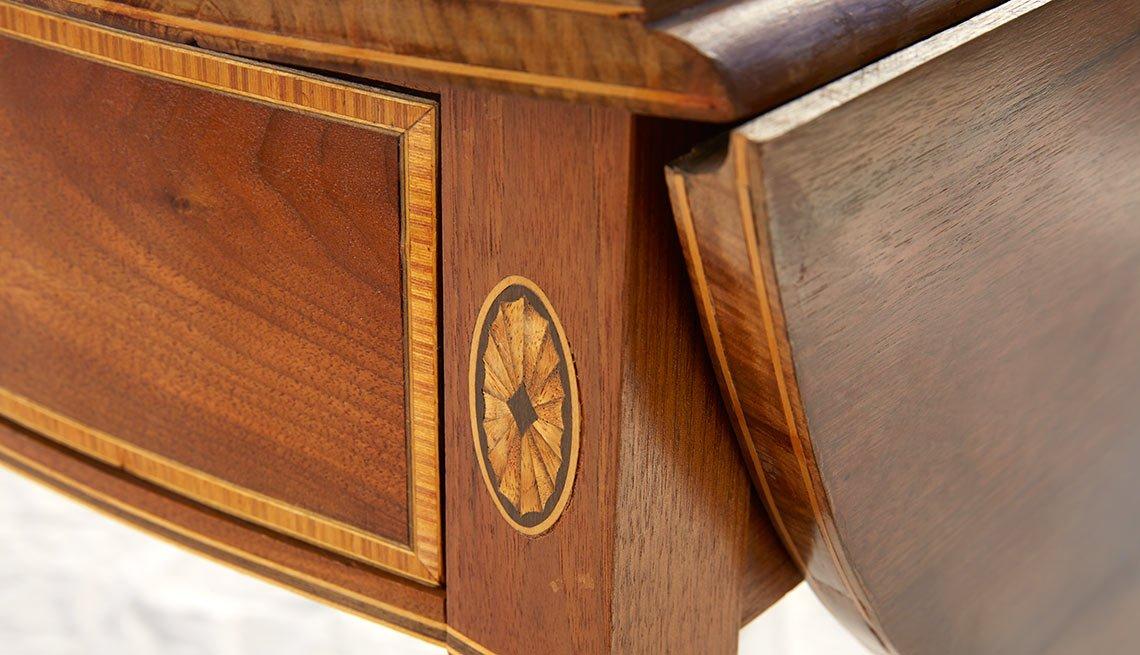 La otra pasión de Francis Fukuyama - Mesa de madera
