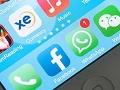 Logos de aplicaciones en la pantalla de un teléfono inteligente