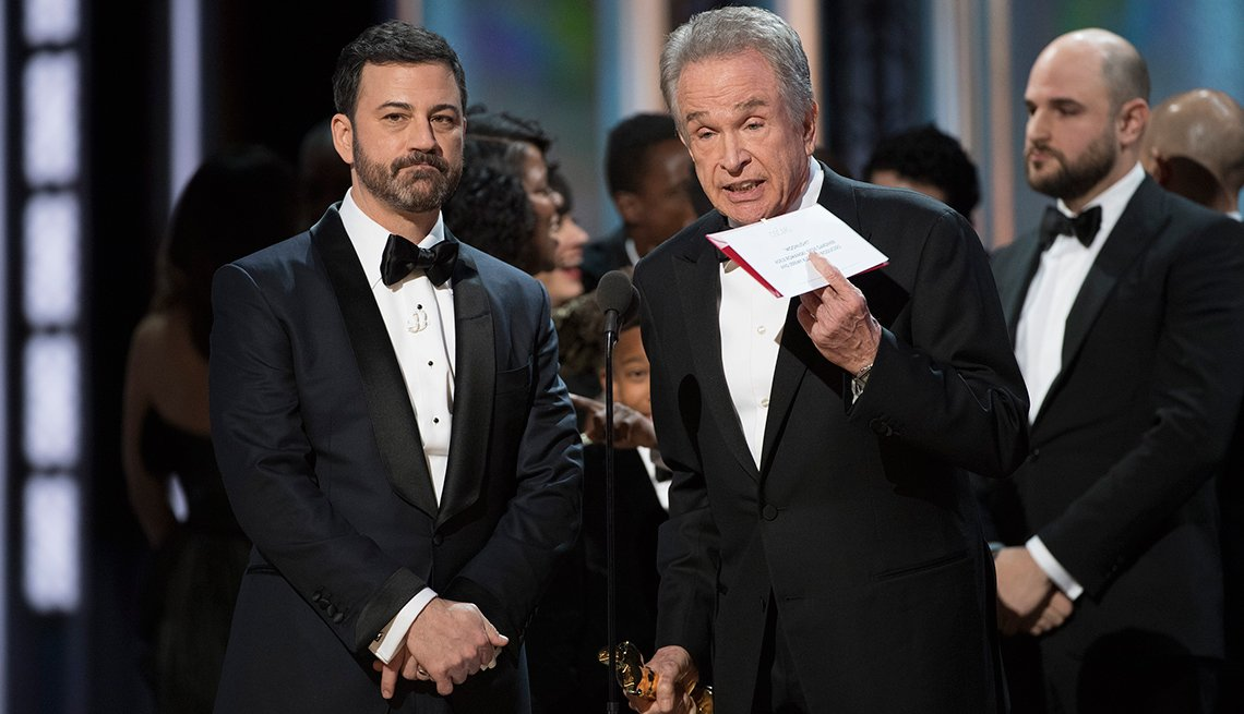 Beatty and Kimmel at the 2017 Oscars