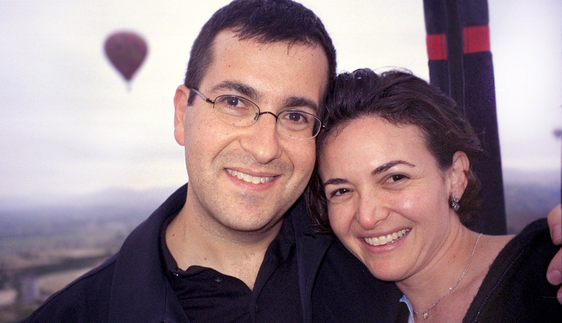 Sheryl Sandberg with husband after their engagement in 2004