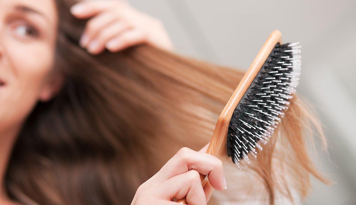 Causas que provocan la caída del cabello en las mujeres