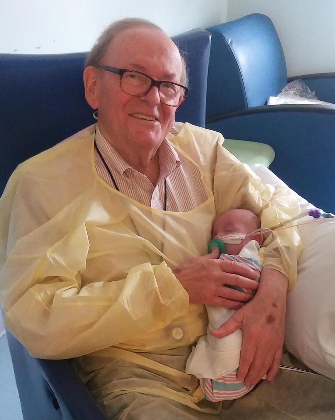 'ICU Grandpa', David Deutchman