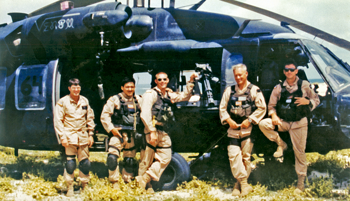 crew of Super Six-Four in Somalia, 1993.  From Left to right: Winn Mahuron, Tommy Field, Bill Cleveland, Ray Frank and Mike Durant.