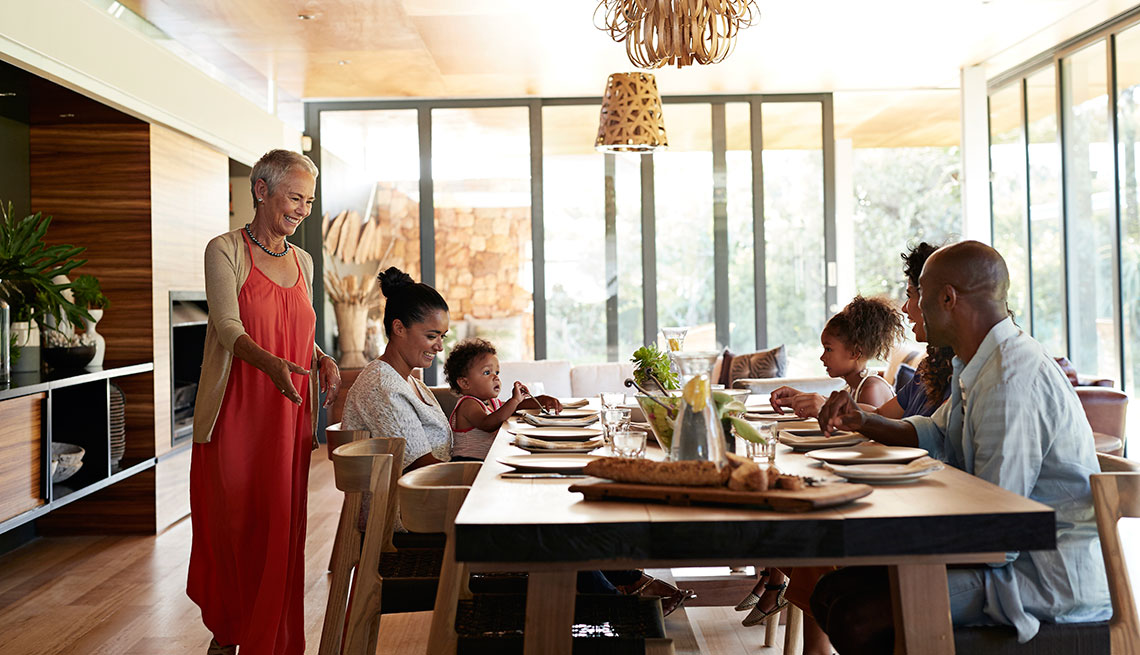 How To Throw An Easy And Elegant Dinner Party