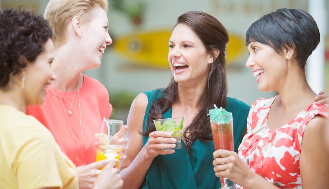 Grupo de amigas sonriendo