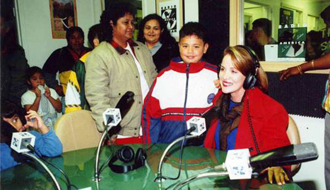 Dra. Isabel Gómez trabaja como locutora radial