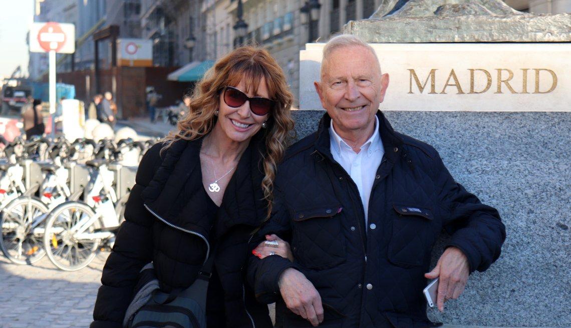 Lorraine Ladish y su padre Delfín Carbonell