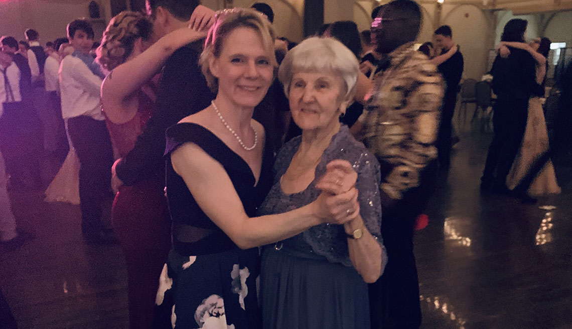 97-year-old woman dances with granddaughter at prom
