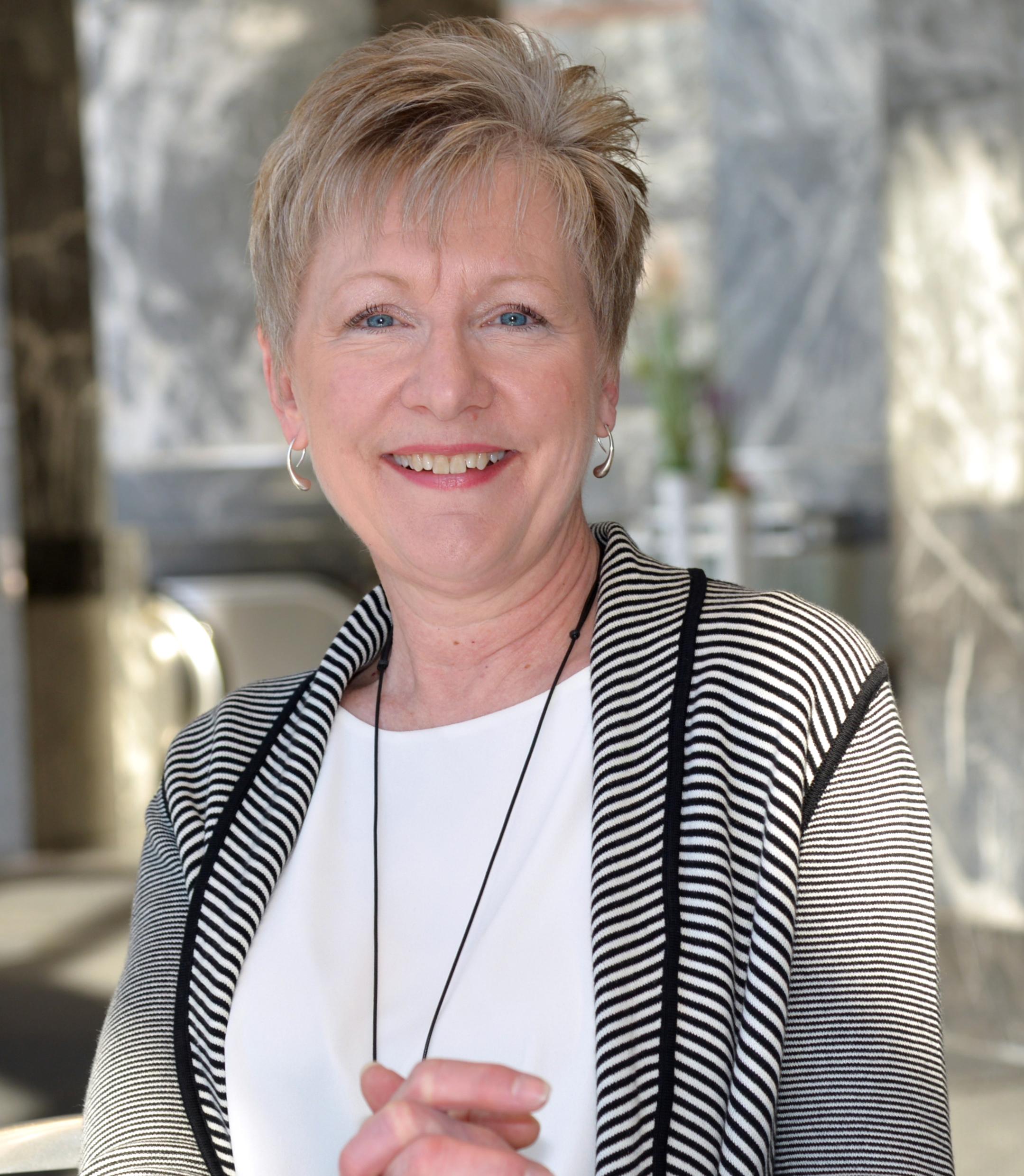 Diane Pearse, gerenta ejecutiva de Hickory Farms