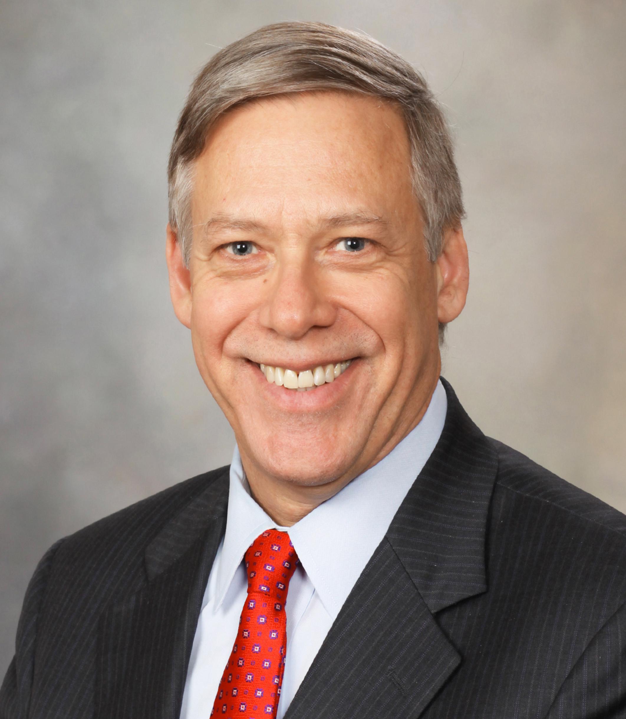 Jeffrey Bolton, gerente administrativo de Mayo Clinic