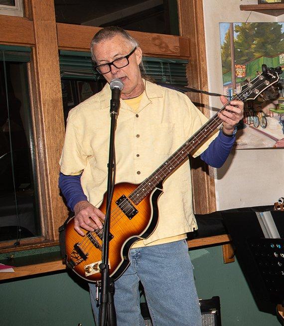 Gary Dungan playing the guitar