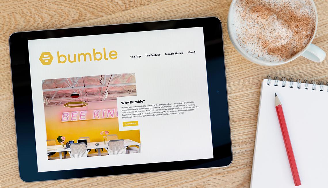 Tableta con la aplicación Bumble