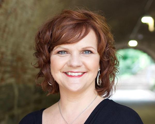 Dawn Burnett portrait photo