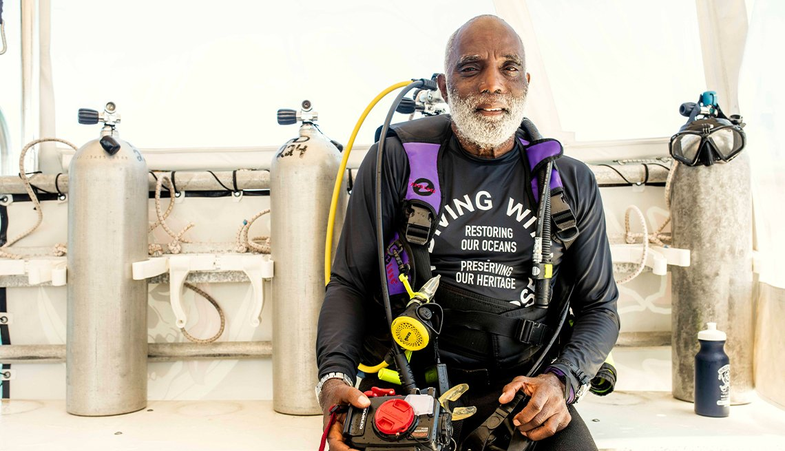 ken stewart wearing diving gear