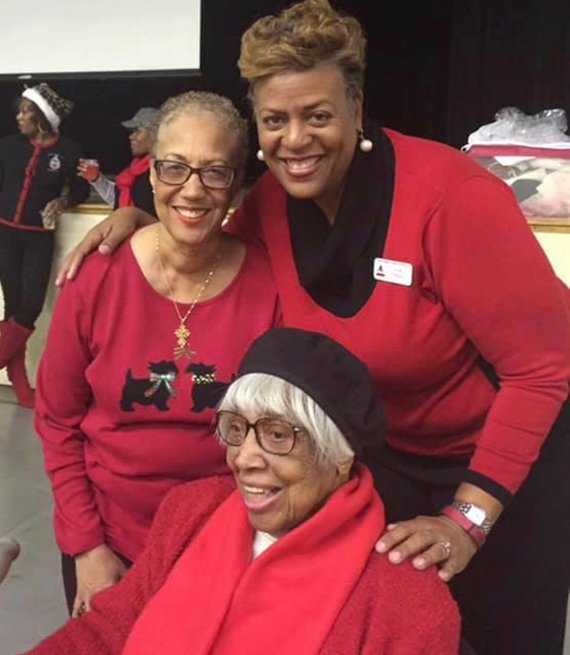 Delta Sigma Theta sorority smile for a photo
