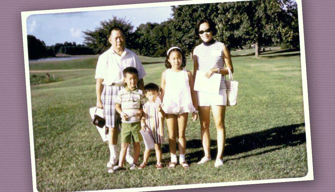 Foto de la familia Kwok de vacaciones en 1970