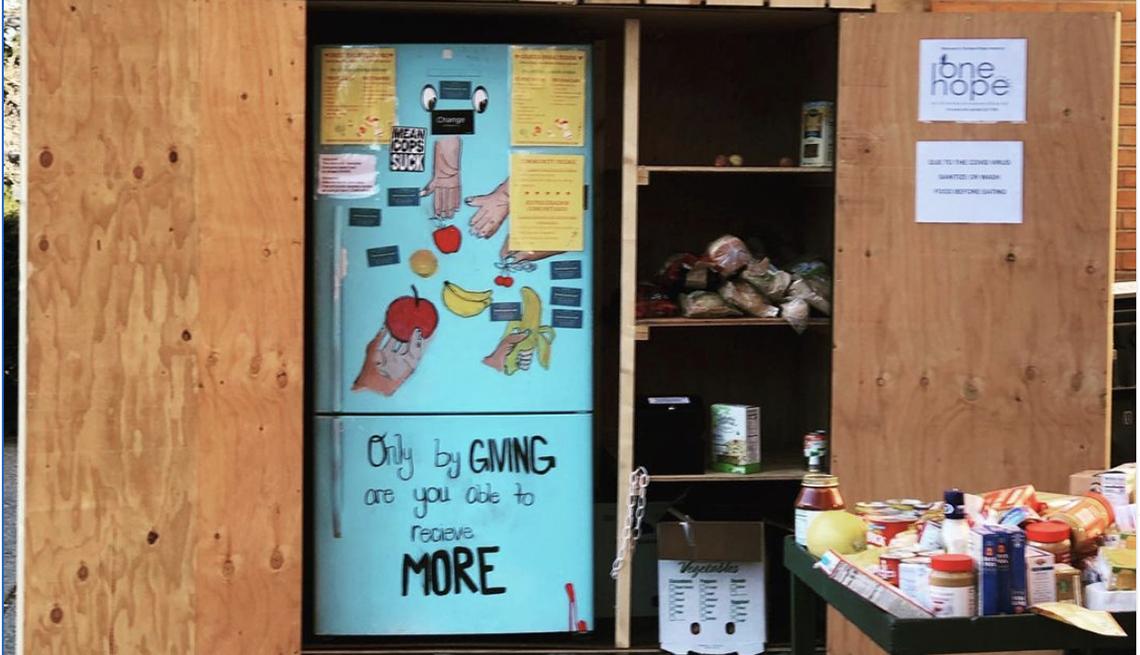 Un refrigerador comunitario
