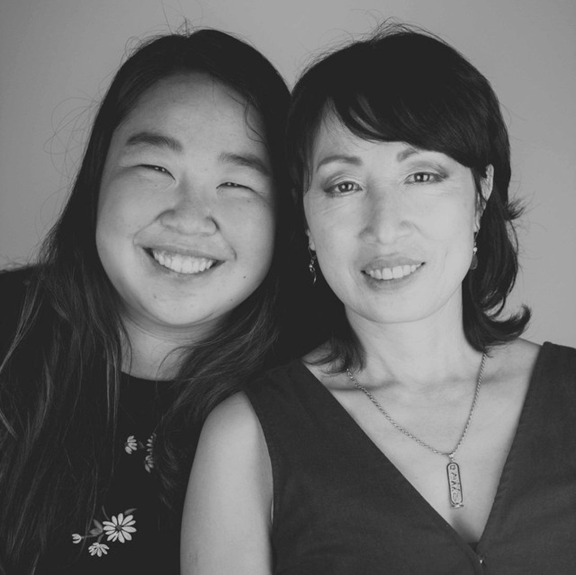 tiffany zheng and her mother holly zheng