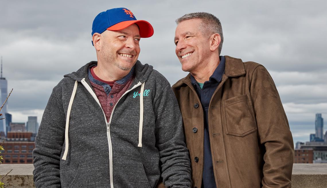 Foto de Peter Mercurio a la izquierda y Danny Stewart a la derecha
