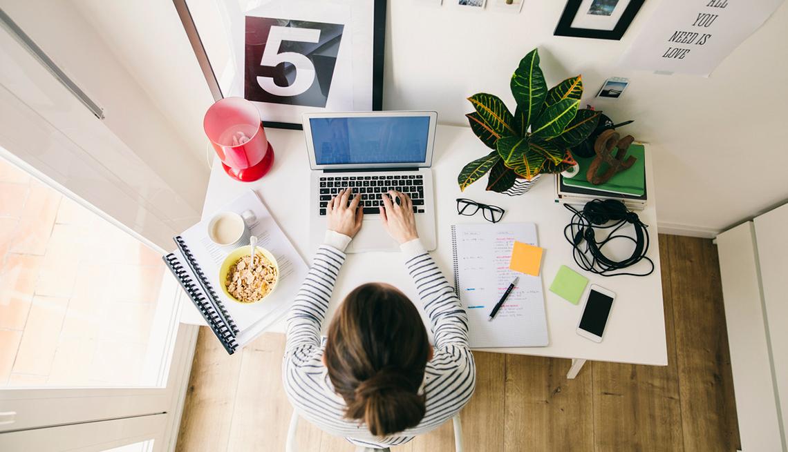 Accesorios imprescindibles para tu oficina en casa