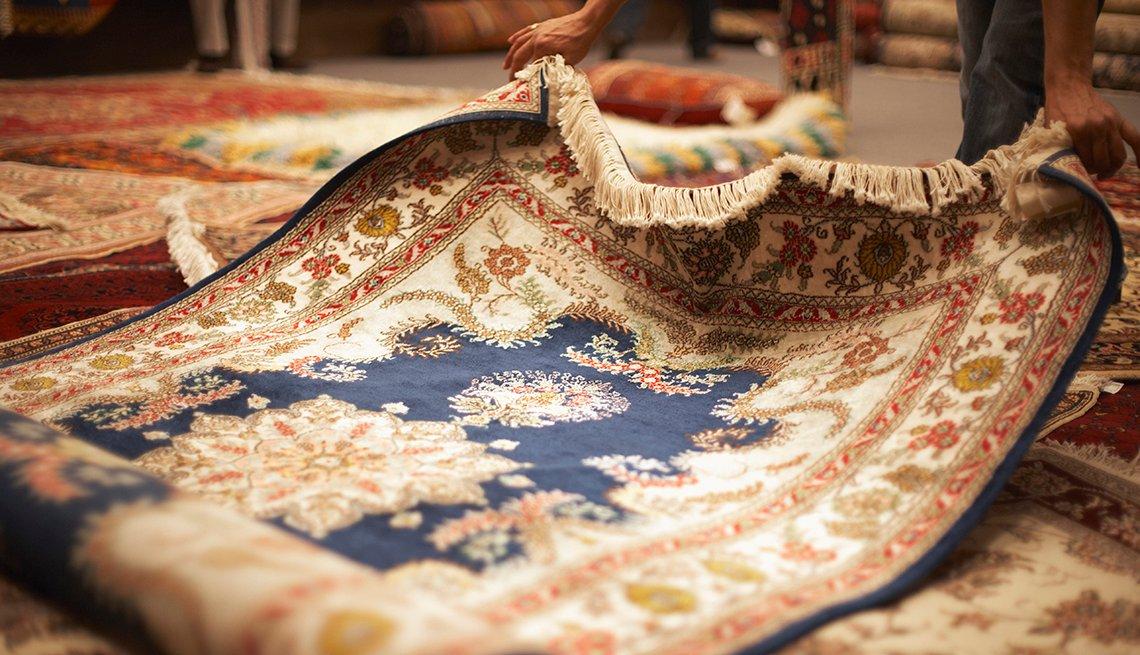Acercamiento de una alfombra oriental