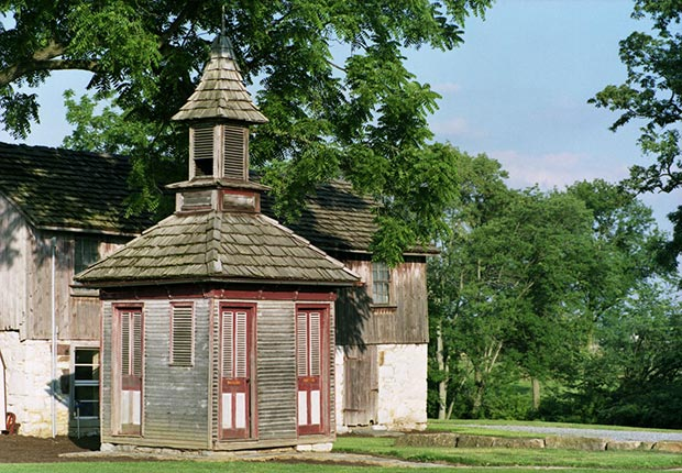 Tolpehocken Manor Outhouse with separate entrances for men and women - toilets around the world