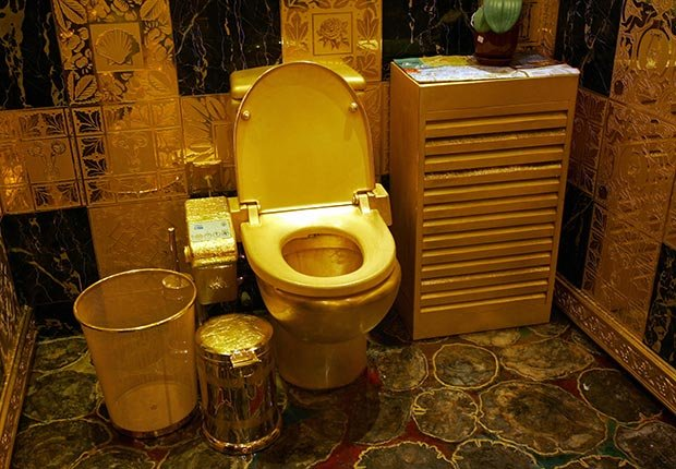 Solid gold and gem-encrusted toilet valued at 4.8 million USD in Hong Kong - toilets around the world