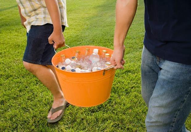 Cubo de hielo y bebidas, 10 objetos útiles y asequibles para su hogar