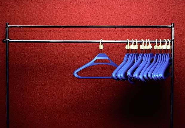 Ganchos para colgar ropa, 10 objetos útiles y asequibles para su hogar